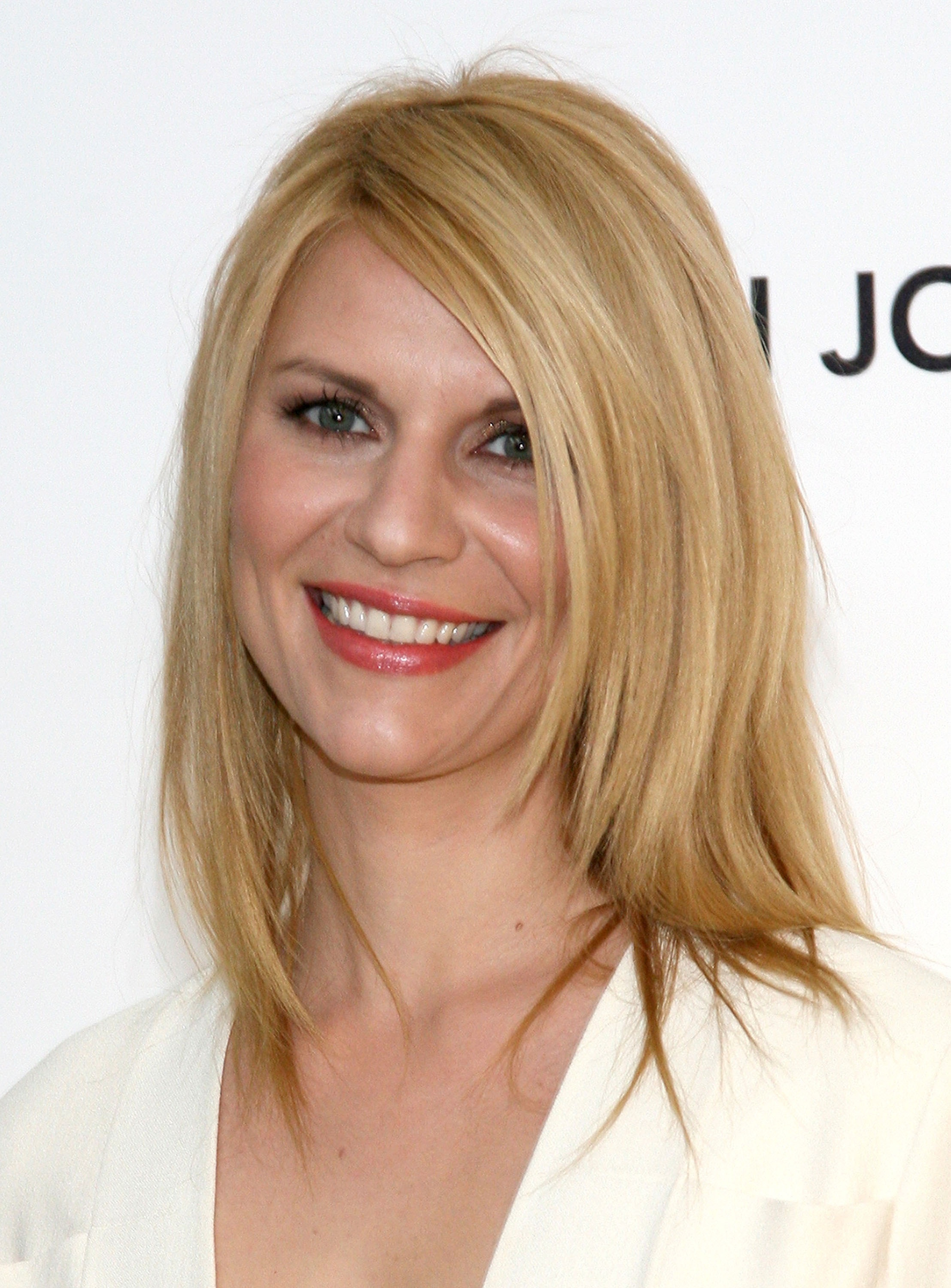 119663 13004627632 Claire Danes Talks Plastic Surgery, Lady Gaga Wants Your Pic