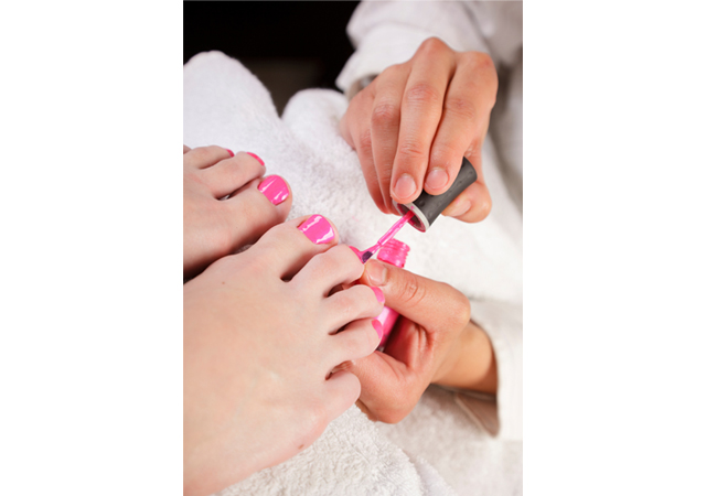 126244 13058361072 Beauty Banter: How Can I Make My Mani Or Pedi Last?