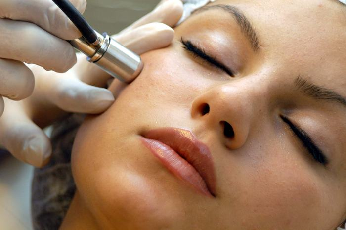 521 Summer Beauty Bootcamp: My Day of Microdermabrasion (And Why You Need to Schedule One Stat)
