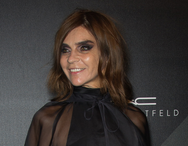 carine roitfeld Watch: How to Get Carine Roitfelds Smoky Eye in Minutes