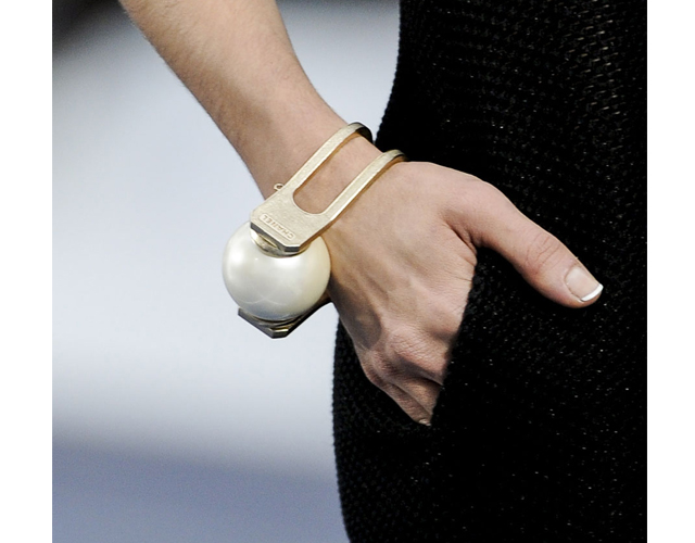 chanel nails BREAKING: Chanel Brings Back the French Manicure