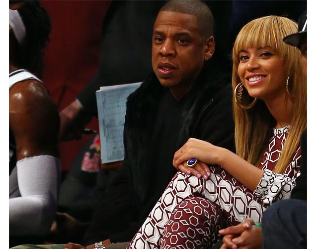 beyonce bangs Beyonce Does Bangs: Bey Debuts New Sleek Look