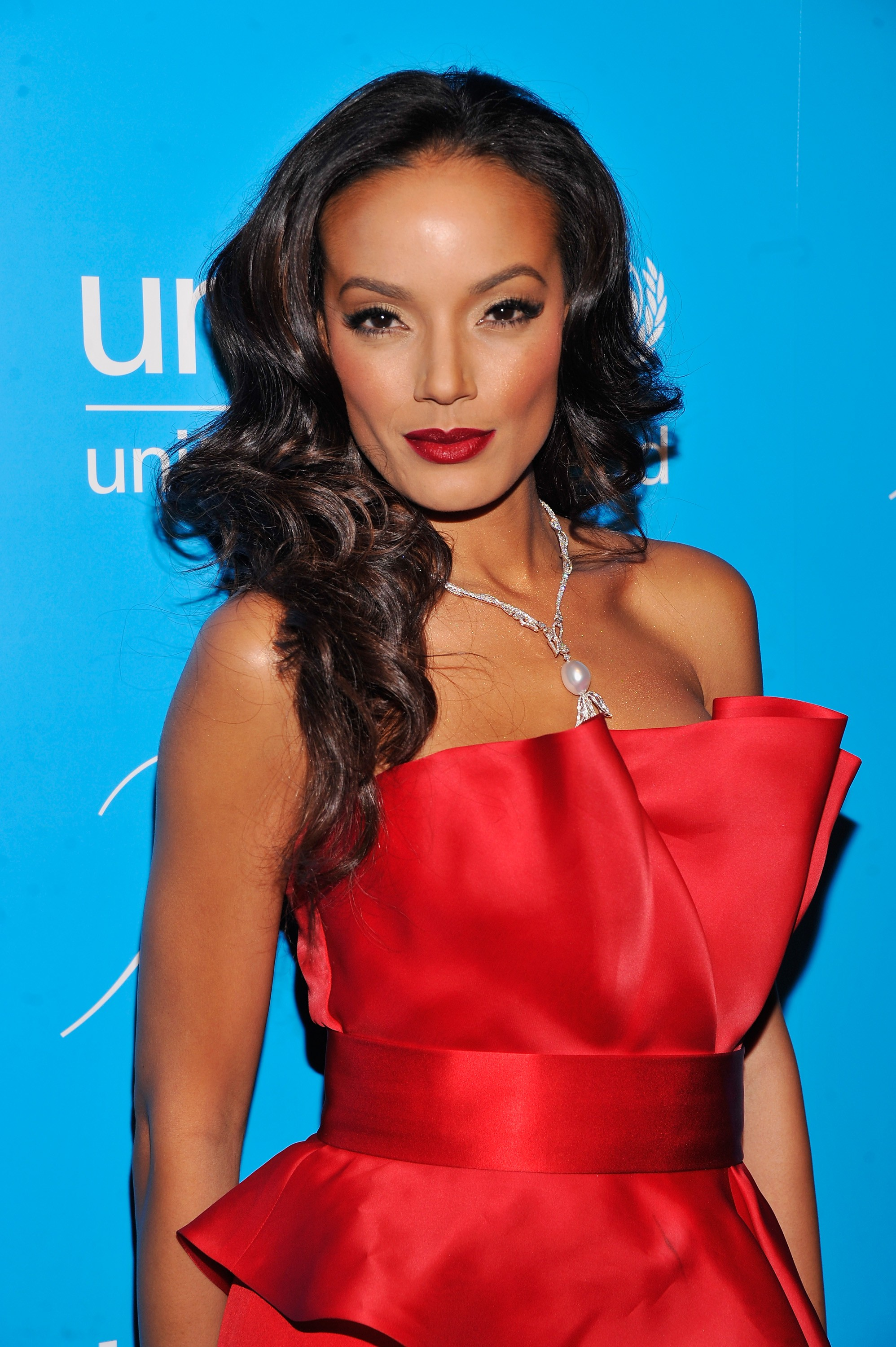 Beauty Buzz: Selita Ebanks Retires from Victorias Secret, Katy Perry Inks Deal With Coty, More