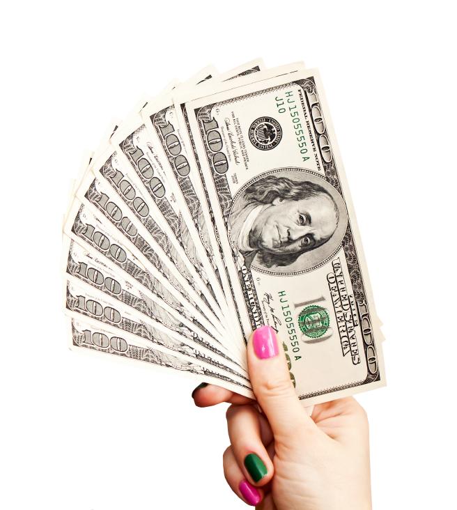 women paying money
