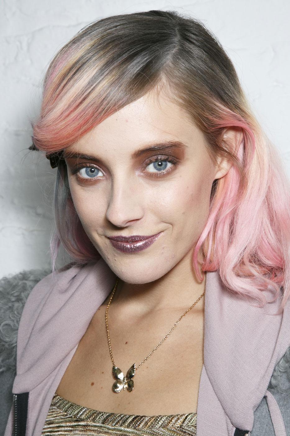 chloe norgaard pink hair