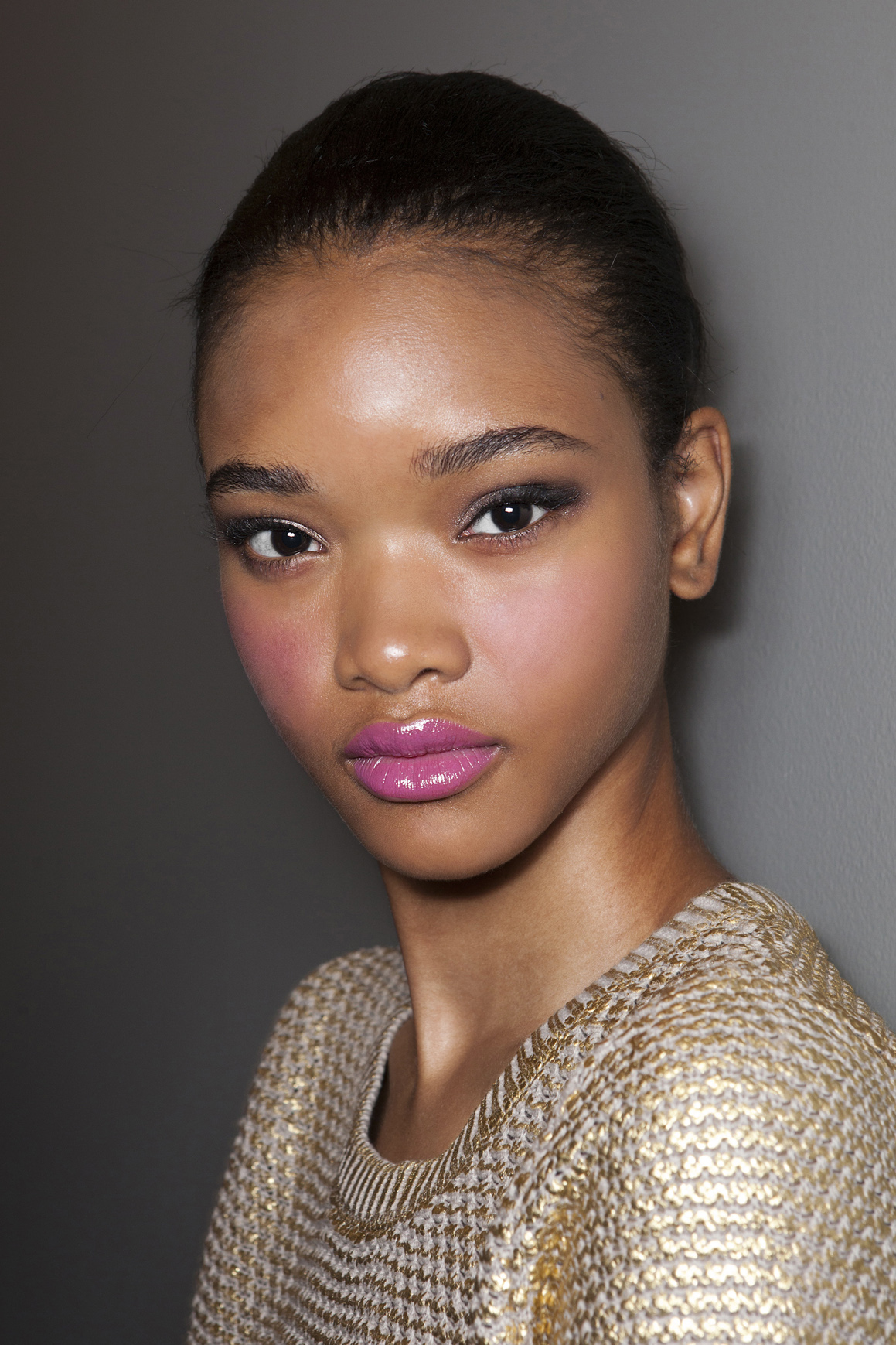 girl with pink lips