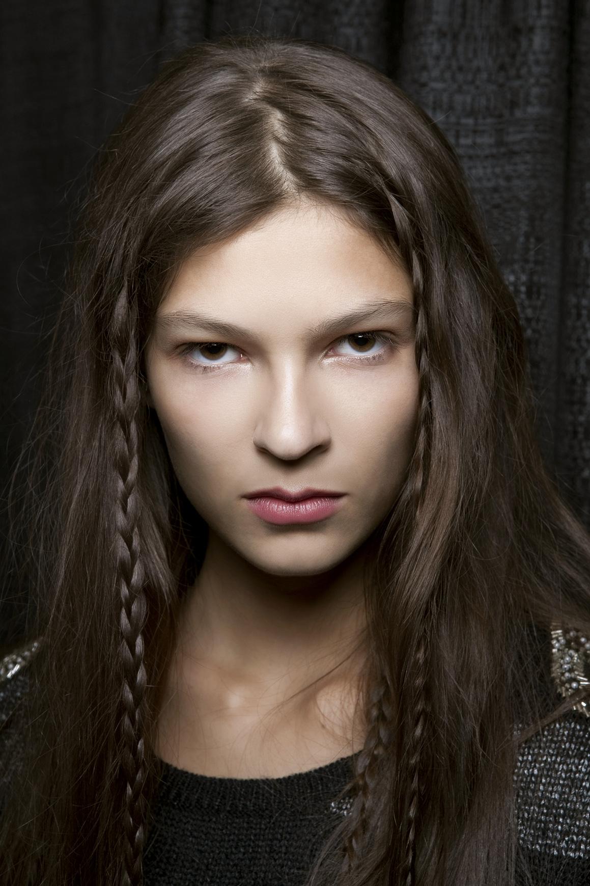 girl with tiny braids