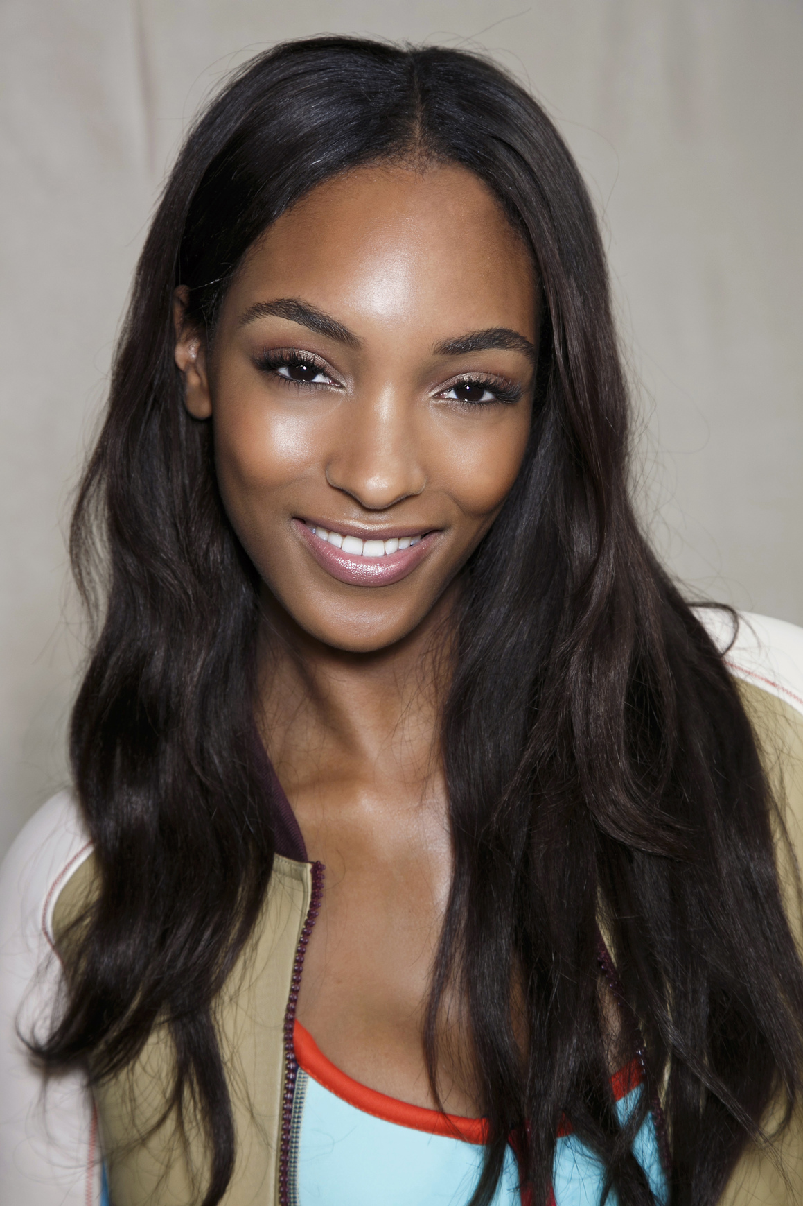 makeup and hair tricks for long faces | stylecaster