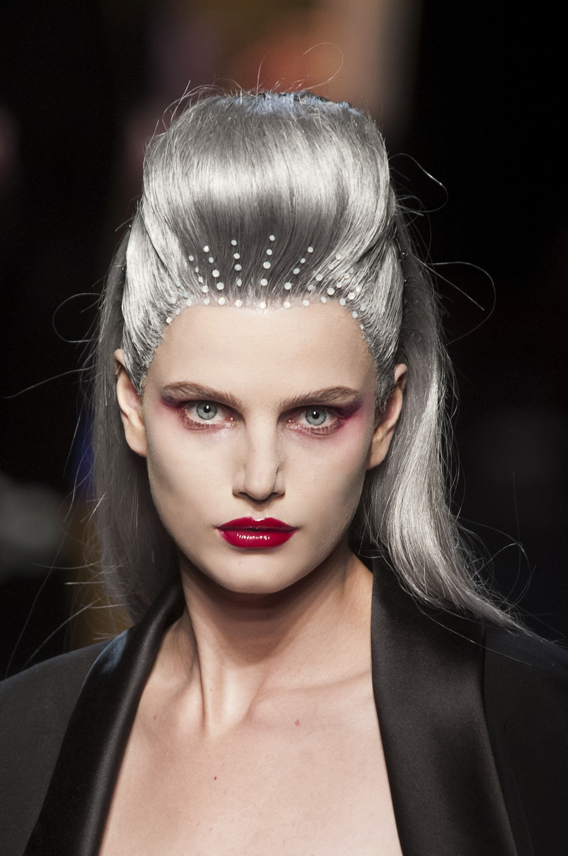 gray hair color trend 2014 grey hair goes glam find out why it s the latest trend