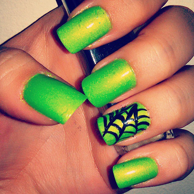 Easy Halloween Nails You Can Actually Do At Home | StyleCaster