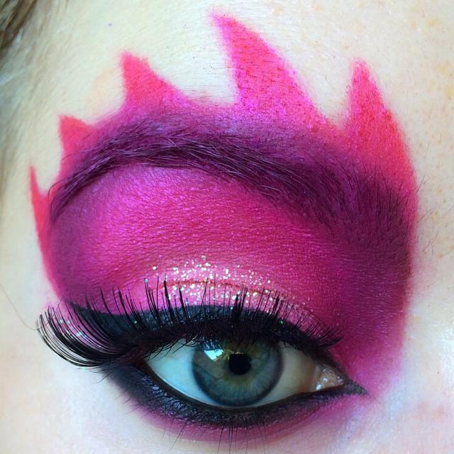 strawbericamakeup Halloween Eye Makeup: Creepy Looks to Complete Your Costume