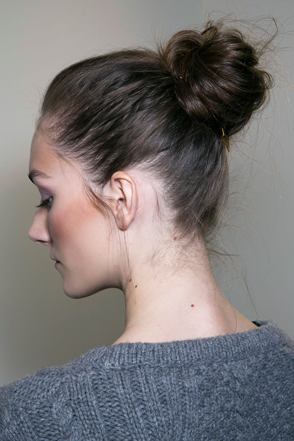 How To Wear A Messy Bun With Long Hair Stylecaster